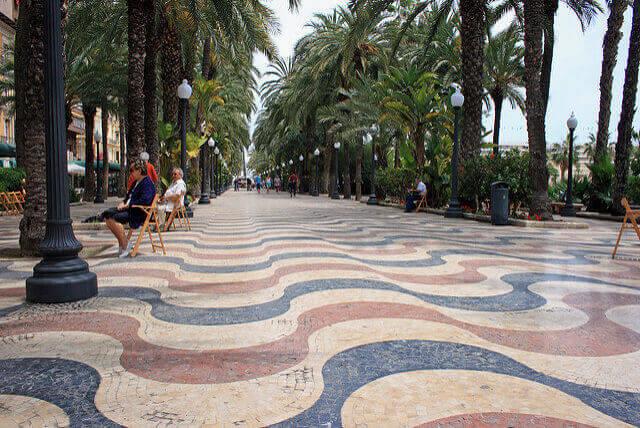Trabajo para cuidar personas mayores en Alicante